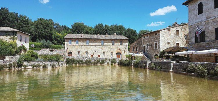 Terme libere di bagno vignoni e il parco dei mulini vojagon - Il loggiato bagno vignoni ...