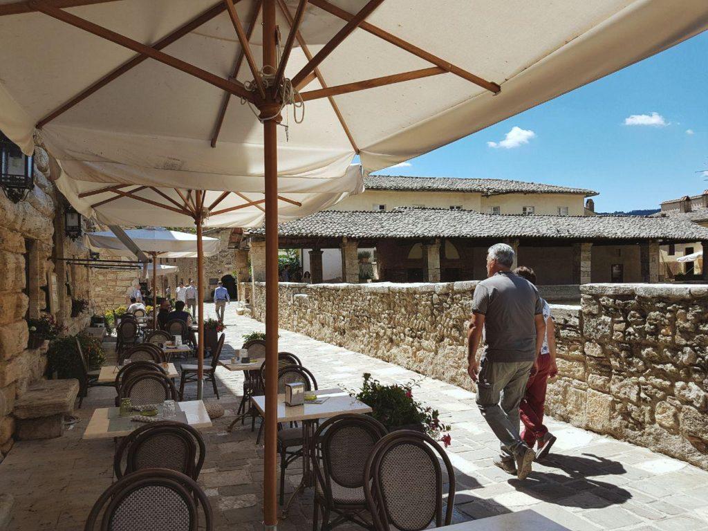 Terme libere di bagno vignoni e il parco dei mulini vojagon - Bagno vignoni ristoranti ...