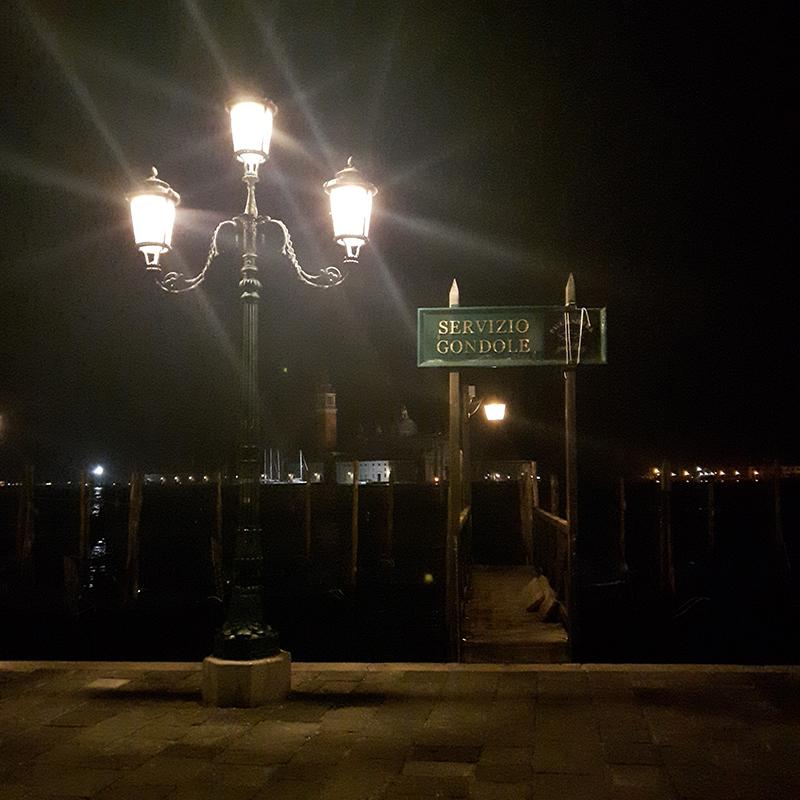 Vojagon venezia by night servizio gondola notte