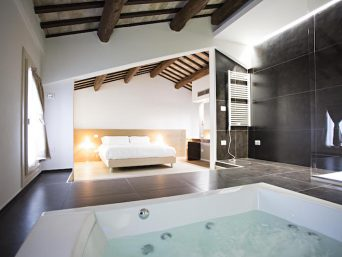 Vojagon Borgoleoni18 vasca idromassaggio bagno camera da letto bathroom bedroom suite