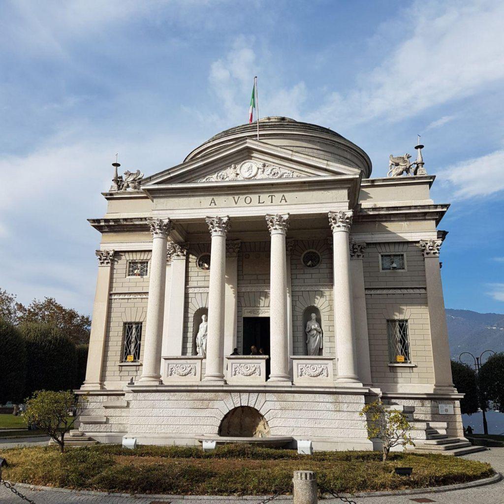 tempio voltiano como vojagon como lake italy italia como in un giorno