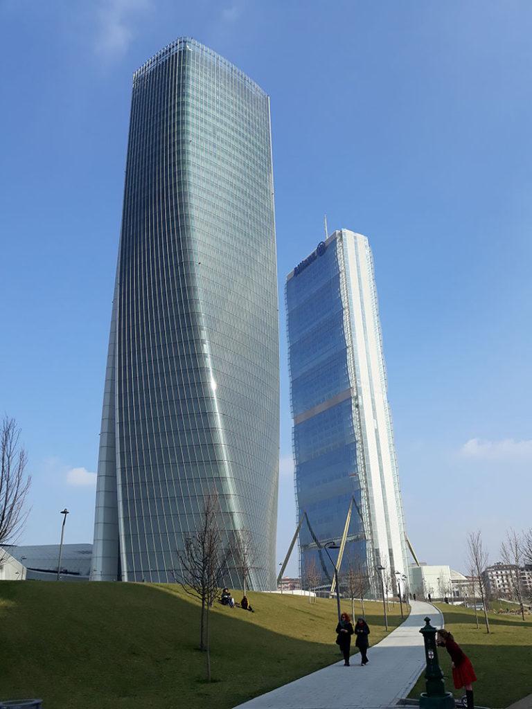 milano skyline tour vojagon citylife torre isozaki torre hadid italia italy milan