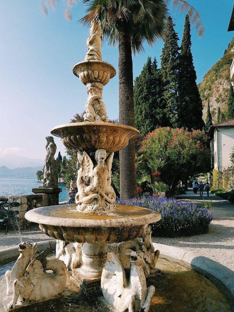 giardini villa monastero varenna italian villa vojagon lago di como