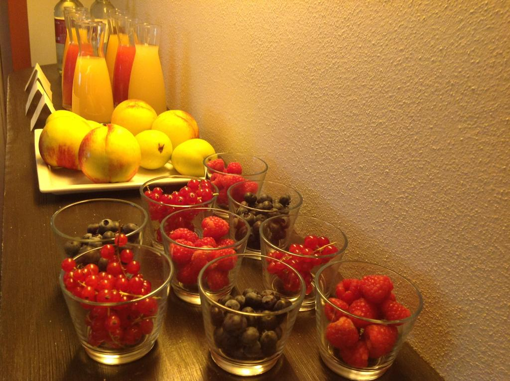 a440 in tuscany vojagon continental breakfast val d'orcia