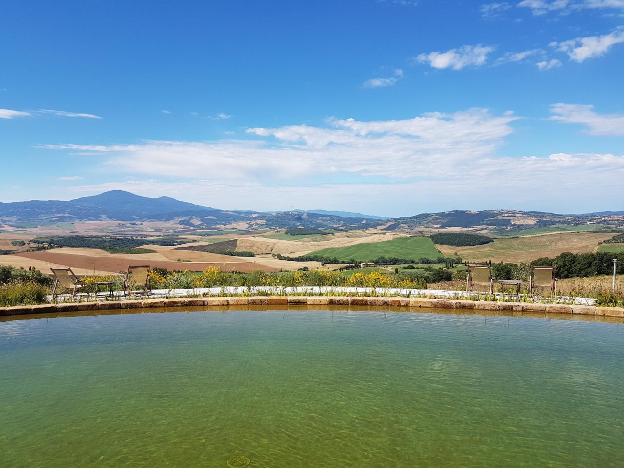 a440 in tuscany vojagon toscana italia B&B biolago piscina esterna