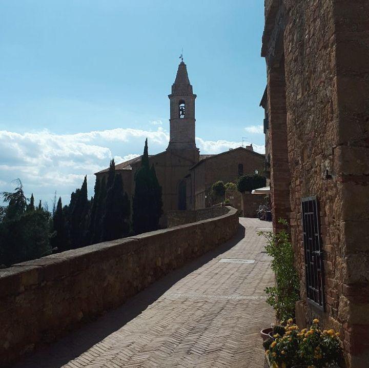 cosa vedere a pienza e dintorni vojagon le mura the wall monte amiata