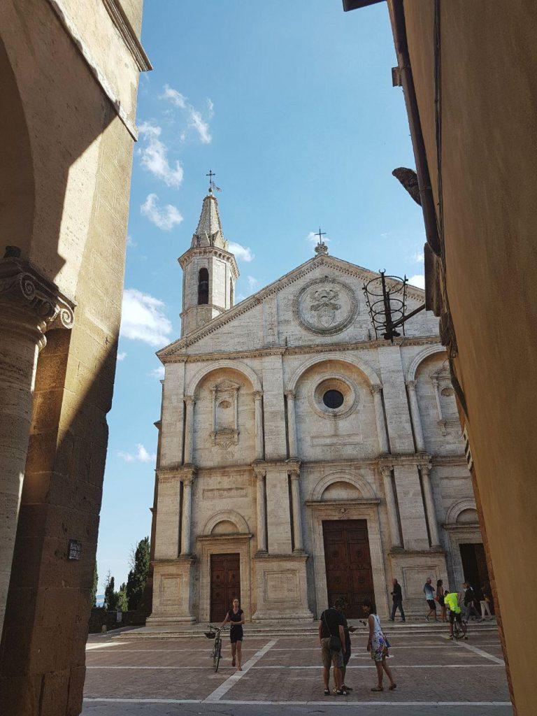 cosa vedere a pienza e dintorni vojagon piazza pio II cattedrale santa maria assunta
