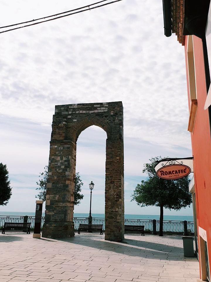 borgo di numana torre vojagon italy marche
