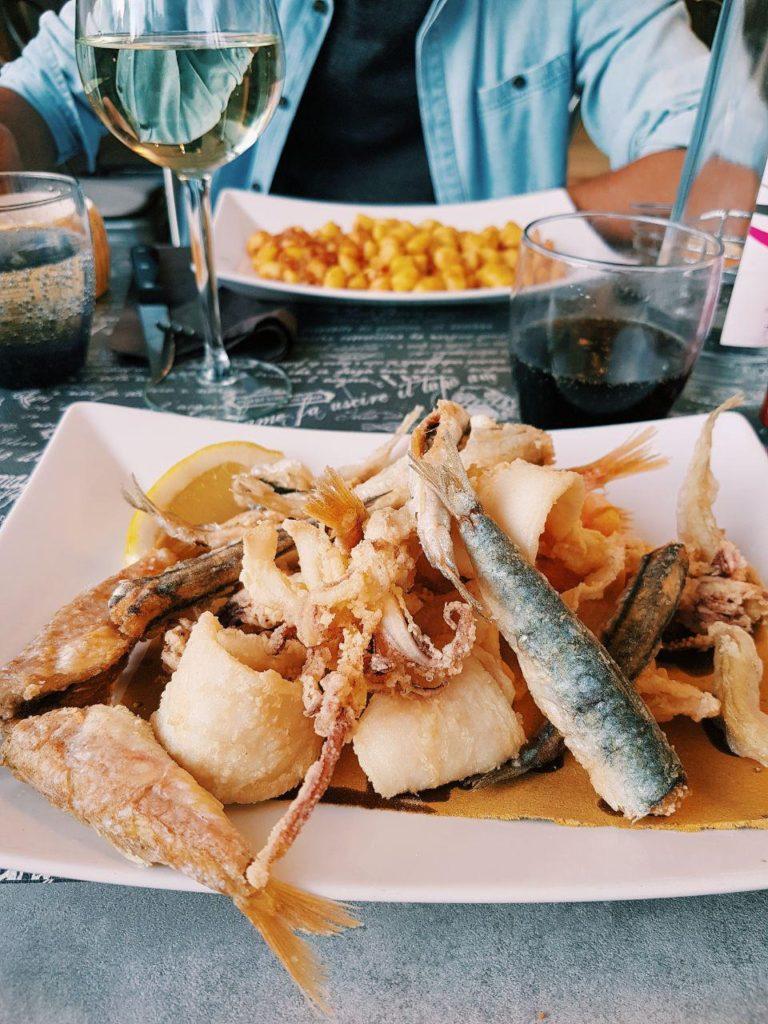 borgo di numana fritto di pesce piatto tipico riviera del conero