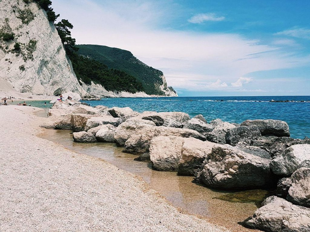 spiagge di numana vojagon spiaggia dei frati piscinette naturalli