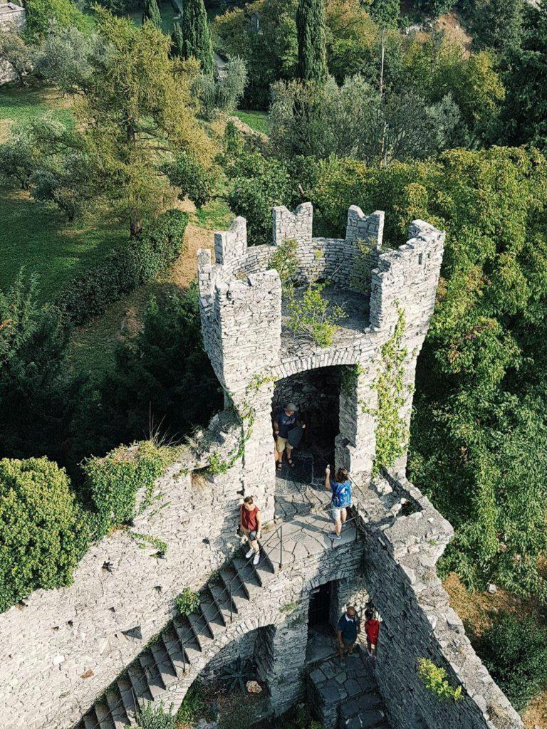 castello di vezio varenna vojagon migliori castelli italia
