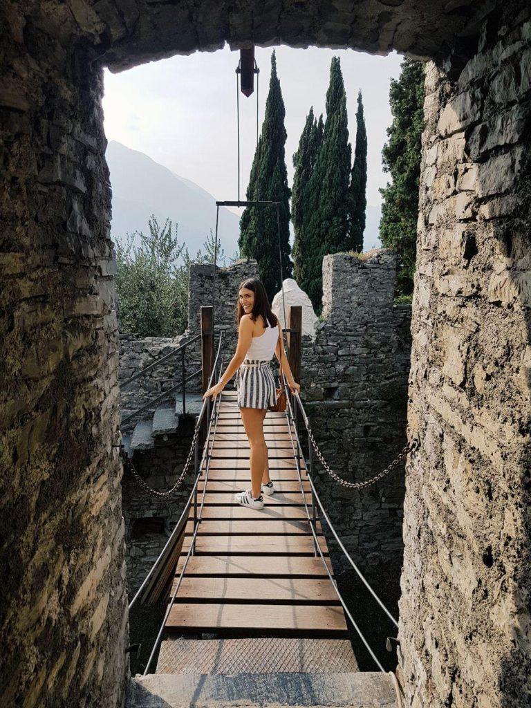 castello di vezio varenna vojagon la_vera.lu instagram castelli italia medioevo