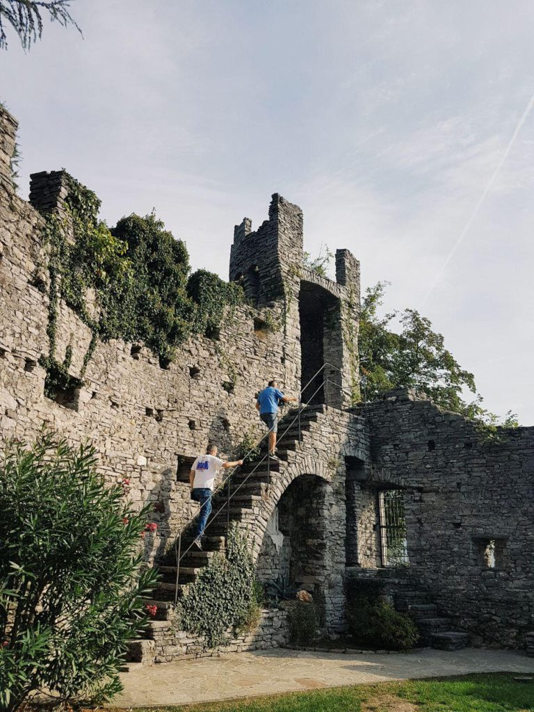 castello di vezio varenna vojagon torre medievale castelli nord italia