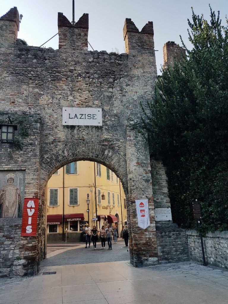 lazise e bardolino vojagon porta di lazise italia lago di garda