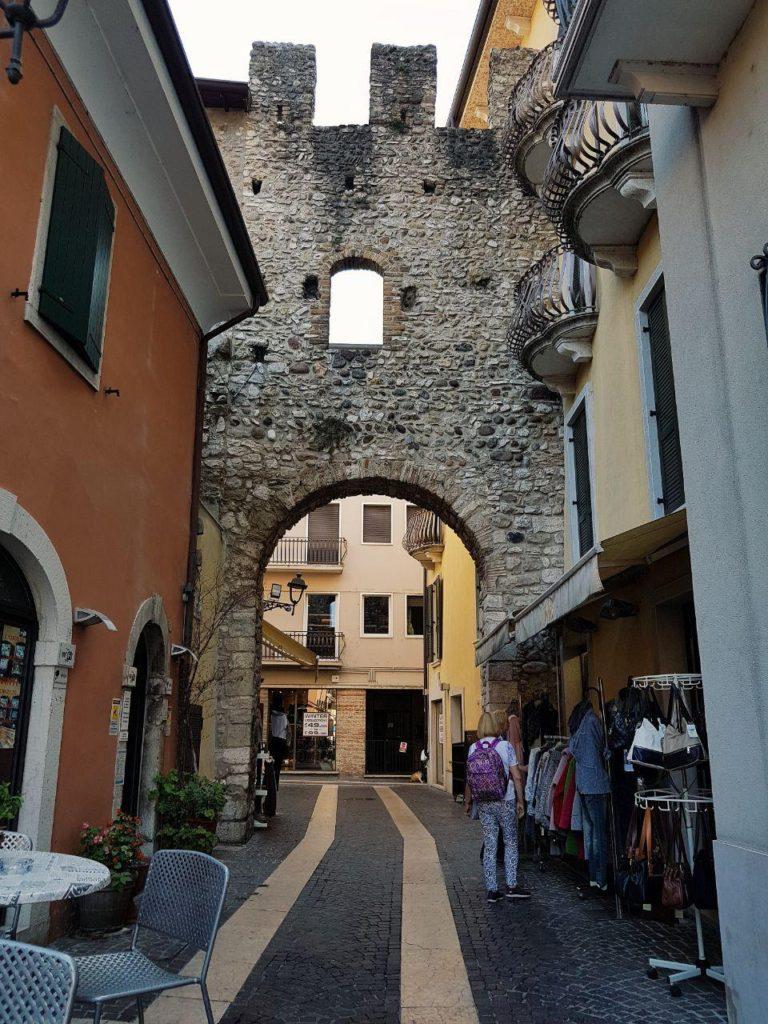 lazise e bardolino vojagon centro storico di bardolino italia