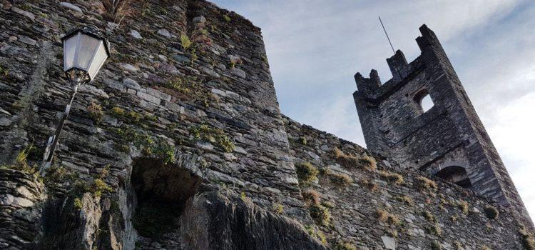 castello di corenno plinio borgo medievale