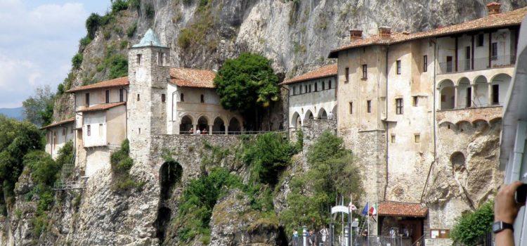 Come arrivare all'Eremo di Santa Caterina del Sasso