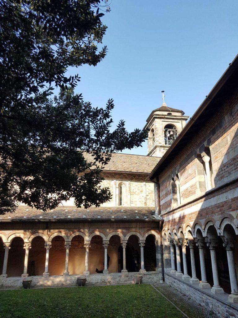 chiostro abbazia di piona vojagon