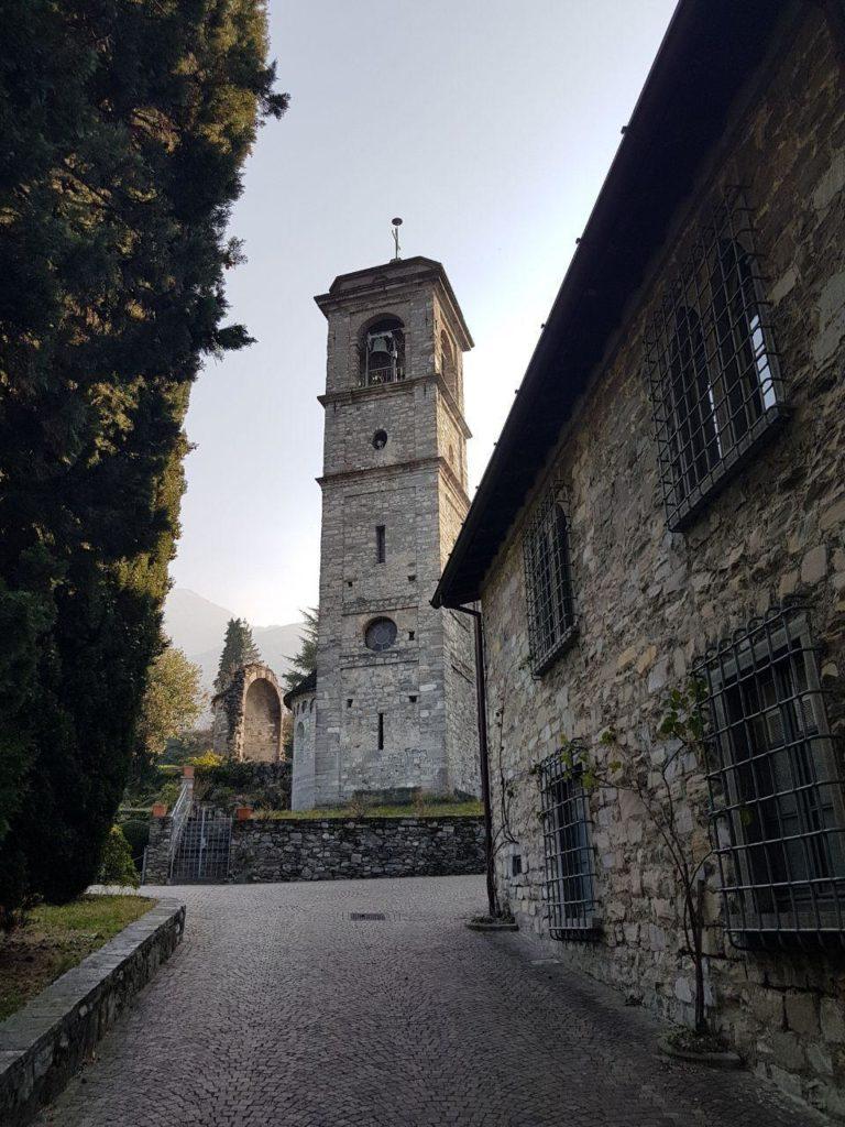 ruderi abside abbazia di piona vojagon